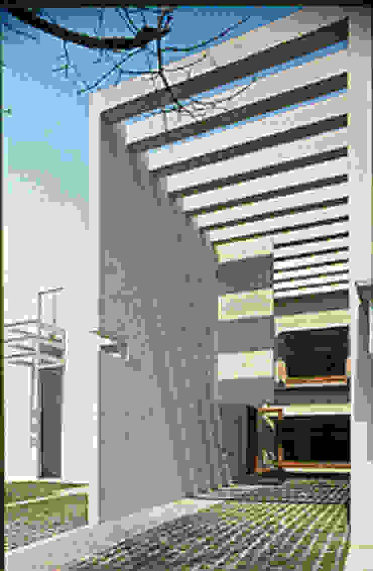 Corporativo Tres Picos Pasillos, vestíbulos y escaleras modernos de Serrano Monjaraz Arquitectos Moderno