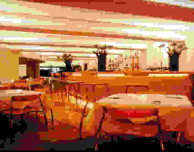 Restaurante La Morena Comedores modernos de Serrano Monjaraz Arquitectos Moderno