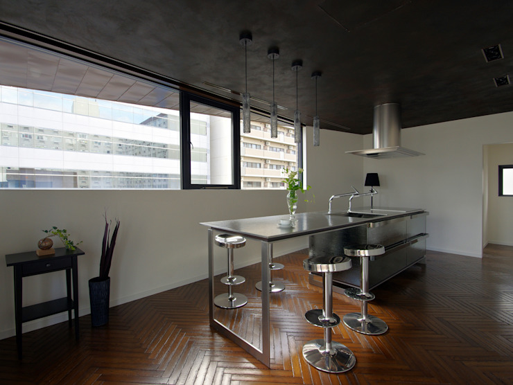 新大阪のオフィスビル/キッチン1 の 一級建築士事務所アールタイプ モダン 金属