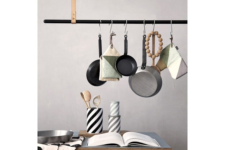 Cloth Rack de FERM Living de Interiortime Moderno
