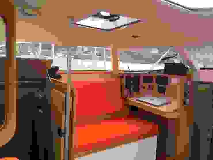 Zerbinati Yacht Design and Survey Yates y jets de estilo moderno