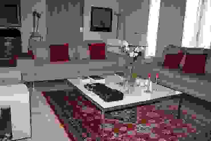 di Cantos da Casa interiores&mobiliário Moderno