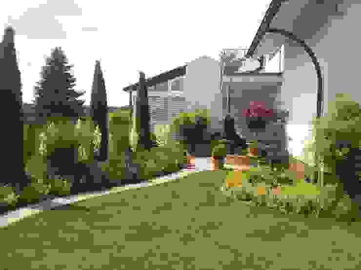 Garden by Planungsbüro STEFAN LAPORT, Modern