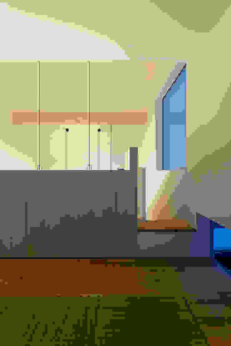 スベリ台のある家 オリジナルデザインの 多目的室 の 一級建築士事務所 Atelier Casa オリジナル 木 木目調