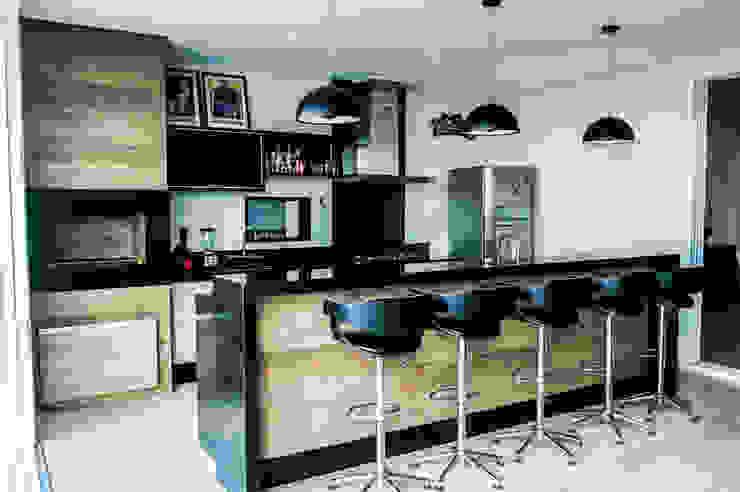 Área Gourmet Varandas, alpendres e terraços modernos por Celina Molinari Arquitetura e Interiores Moderno