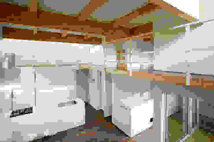 手稲山が望める家 ミニマルデザインの リビング の 一級建築士事務所 Atelier Casa ミニマル 木 木目調