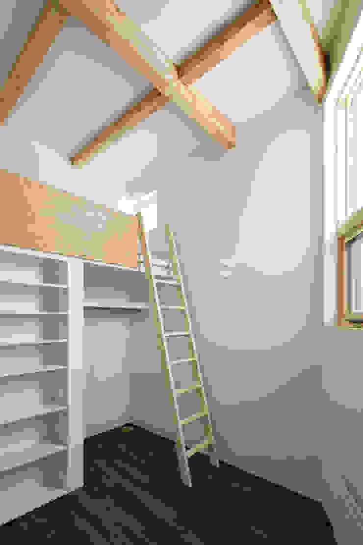 手稲山が望める家 ミニマルスタイルの 子供部屋 の 一級建築士事務所 Atelier Casa ミニマル 木 木目調