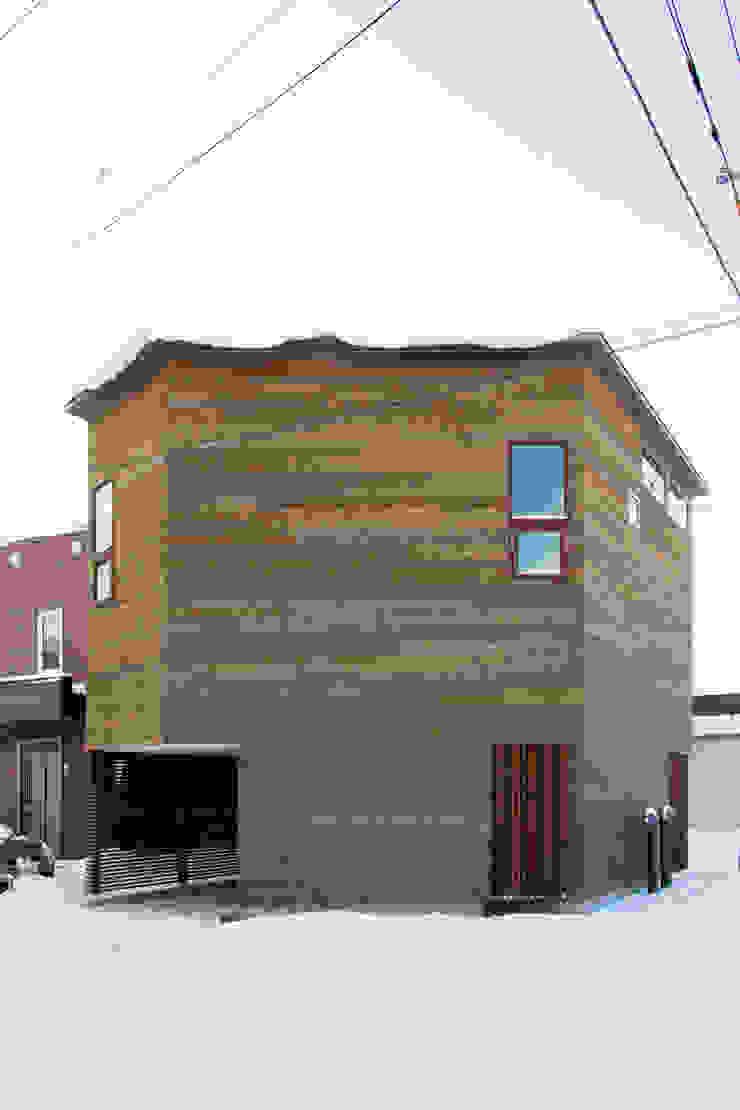 手稲山が望める家 ミニマルな 家 の 一級建築士事務所 Atelier Casa ミニマル 木 木目調