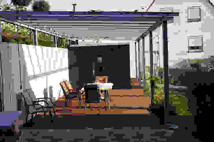 modern grass garden モダンな庭 の Planungsbüro STEFAN LAPORT モダン