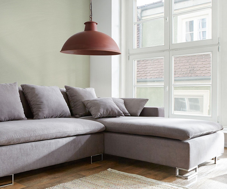 homify Living roomLighting Metal Red