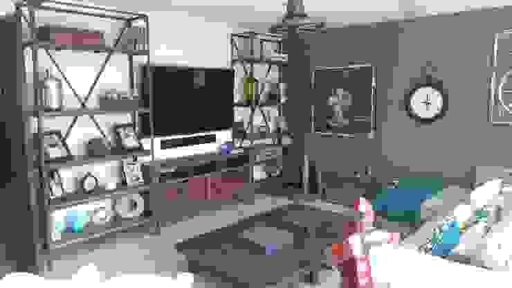 Centro de entretenimiento Herrería+Madera de Gonmar Diseño y Mobiliario Rústico Madera maciza Multicolor