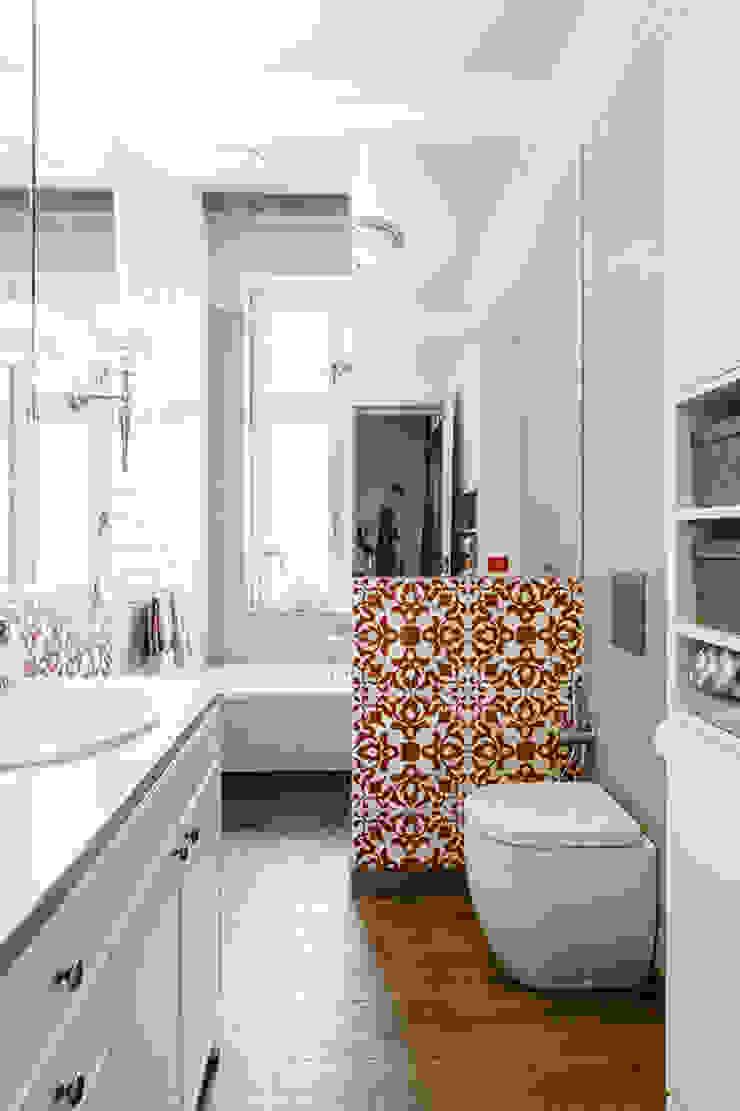 łazienka Klasyczna łazienka od Gzowska&Ossowska Pracownie Architektury Wnętrz Klasyczny