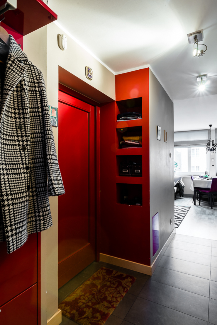 Mieszkanie w centrum miasta Eklektyczny korytarz, przedpokój i schody od Gzowska&Ossowska Pracownie Architektury Wnętrz Eklektyczny