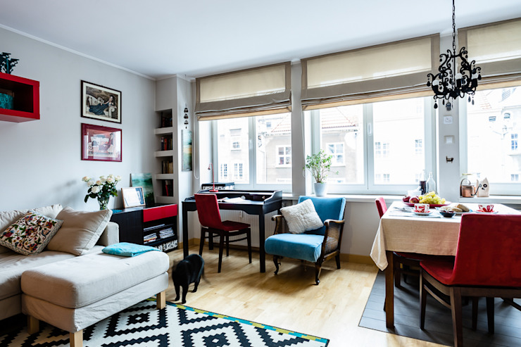 Mieszkanie w centrum miasta Eklektyczny salon od Gzowska&Ossowska Pracownie Architektury Wnętrz Eklektyczny