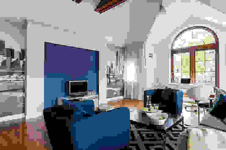 apartament z motywem Nowego Jorku Nowoczesny salon od Gzowska&Ossowska Pracownie Architektury Wnętrz Nowoczesny