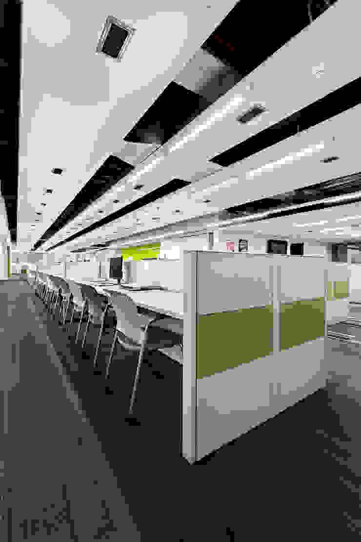 IXE Reforma 489 Estudios y despachos modernos de usoarquitectura Moderno