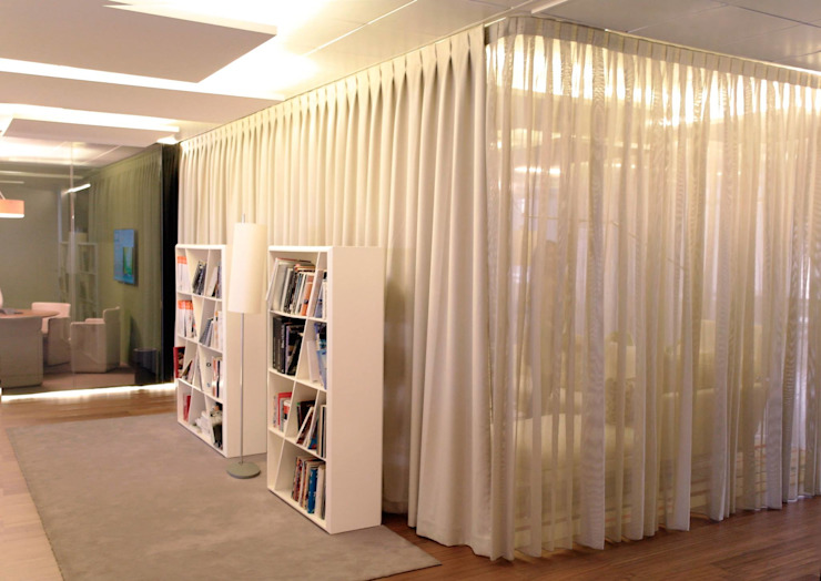 DRM CONFECCION Modern offices & stores Beige