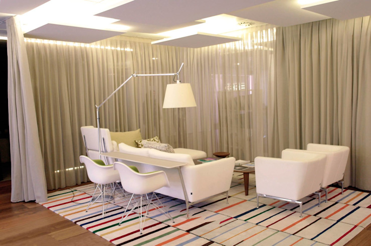 DRM CONFECCION Offices & stores Beige