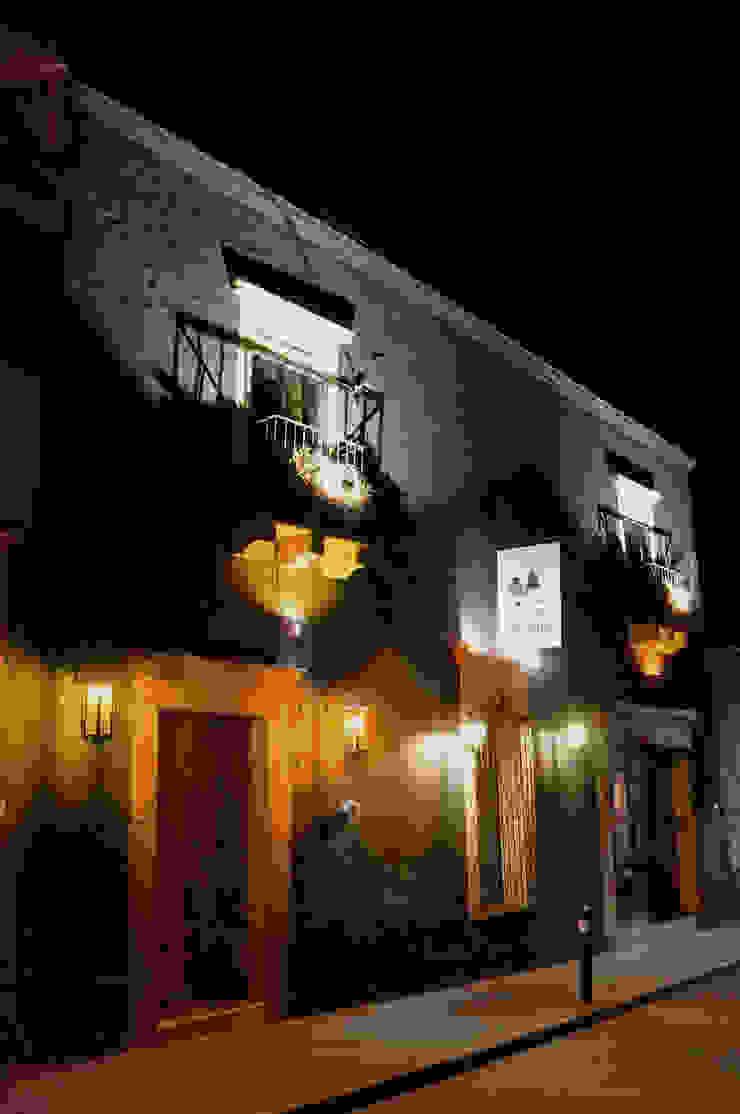 Fachada restaurada | Casa Gallo Gastronomía de estilo rústico de CÉRVOL Rústico