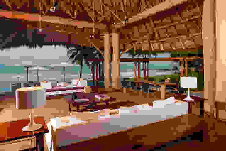 Balcones y terrazas de estilo tropical de BR ARQUITECTOS Tropical