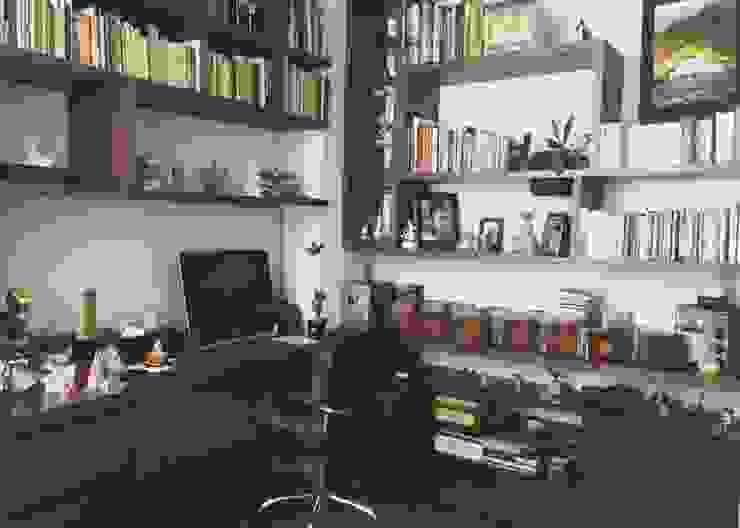 APARTAMENTO 67 Estudios y despachos de estilo ecléctico de ESTUDIO DUSSAN Ecléctico