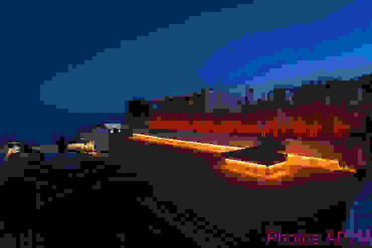 Eclairage terrasse Balcon, Veranda & Terrasse modernes par Architecture Nature & Lumière Moderne