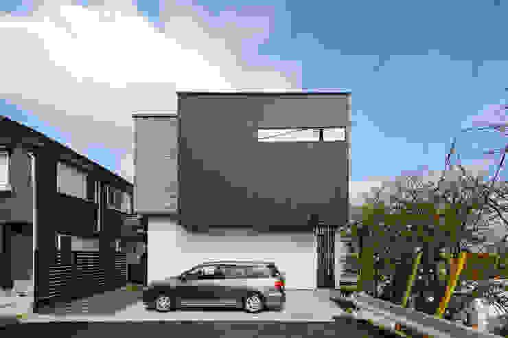 質感にこだわったシンプルモダンの家 モダンな 家 の TERAJIMA ARCHITECTS モダン