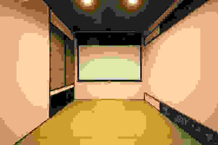 TERAJIMA ARCHITECTS/テラジマアーキテクツ Salas multimedia de estilo moderno