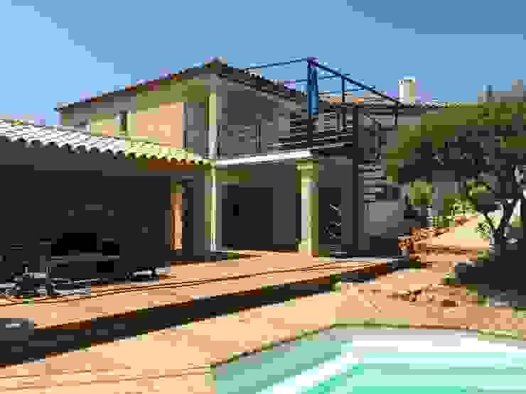 Aménagement extérieur Balcon, Veranda & Terrasse modernes par BATIR AU NATUREL Moderne Fer / Acier