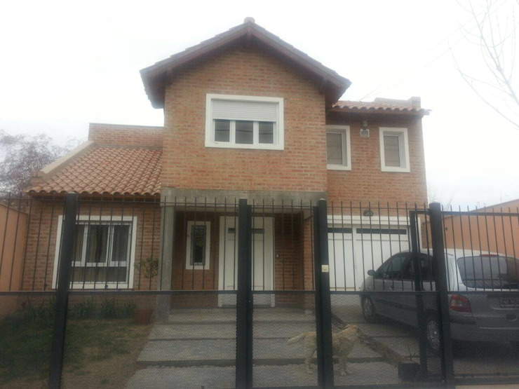 by Grupo Walls bienes raices Класичний