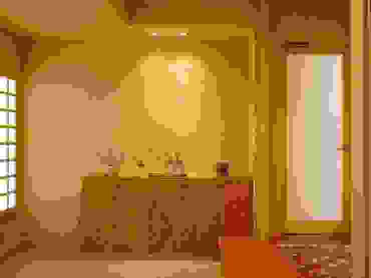 玄関ホール モダンスタイルの 玄関&廊下&階段 の アンドウ設計事務所 モダン 無垢材 多色