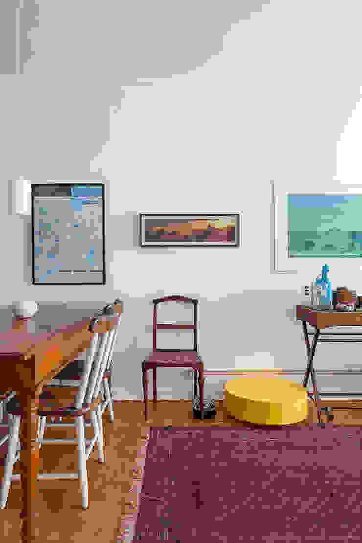 modern  by Casa de Valentina, Modern