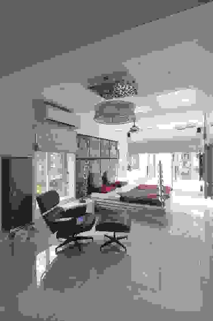 Site at Juhu Modern style bedroom by Mybeautifulife Modern