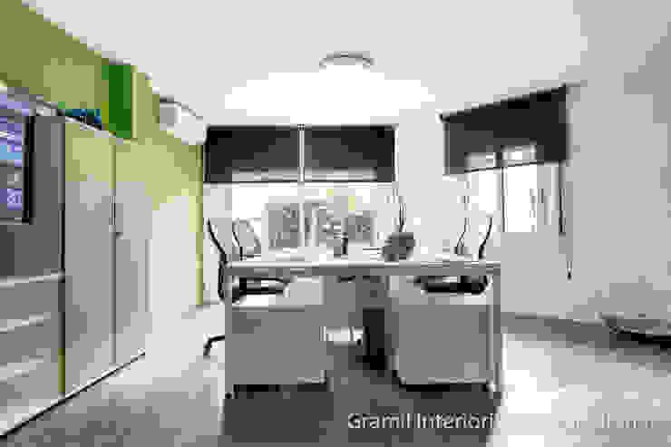 Lojas & Imóveis comerciais modernos por Gramil Interiorismo II - Decoradores y diseñadores de interiores Moderno