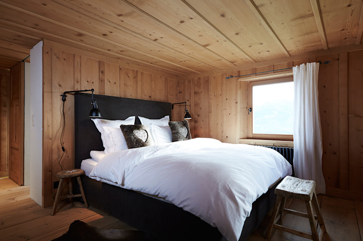 Bedroom by homify, Rustic