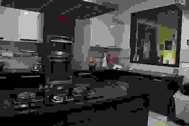 Bansal Residence Modern kitchen by Studio Ezube Modern