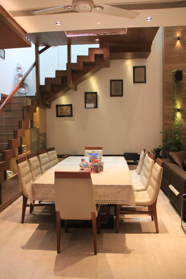 Bansal Residence Modern dining room by Studio Ezube Modern
