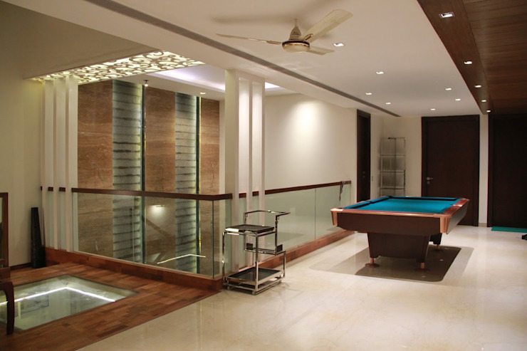 Bansal Residence Modern corridor, hallway & stairs by Studio Ezube Modern