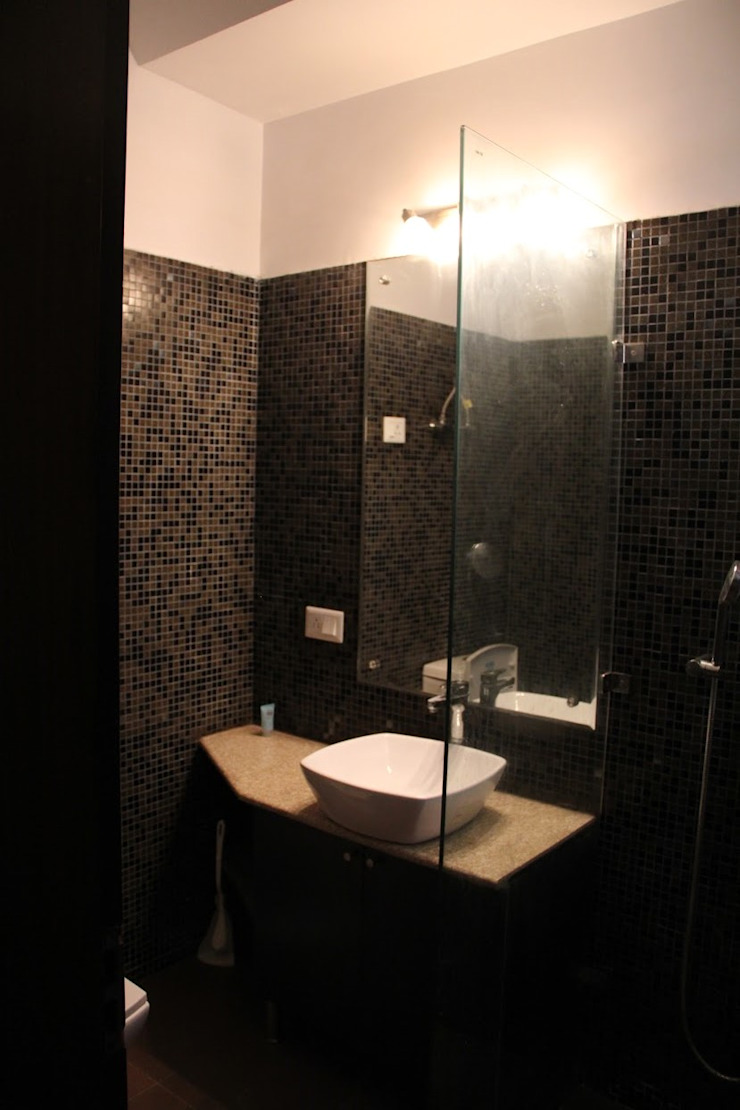 Chand Residence Modern bathroom by Studio Ezube Modern