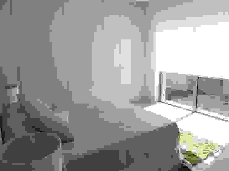 Vivienda Unifamiliar en Colinas Golf, promovida por Marjal Dormitorios de estilo clásico de GESTIÓN TÉCNICA DE PROYECTOS PROYECTOS Y OBRAS, SL. Clásico