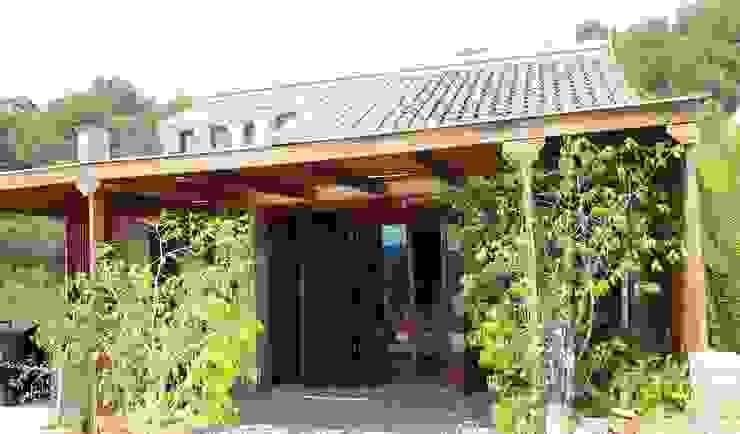 Rumah oleh Estudio de Arquitectura 2E+1L, Klasik
