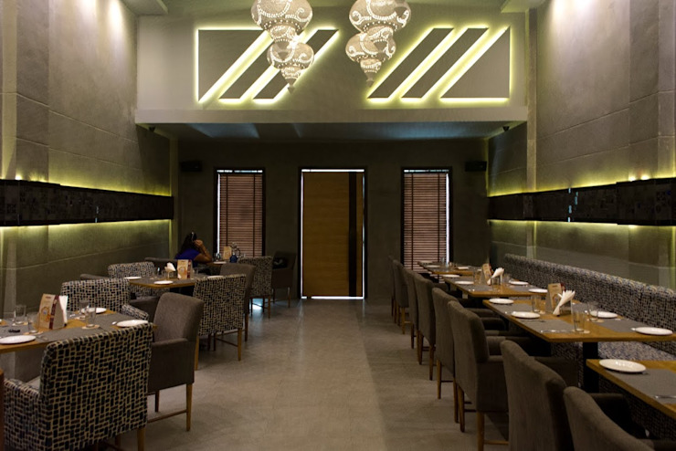 Admission Lounge Modern dining room by Studio Ezube Modern