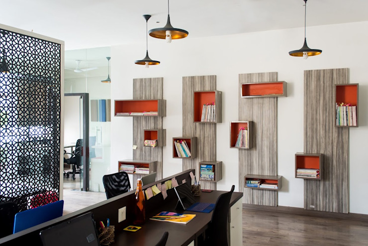 Modern Study Room and Home Office by Studio Ezube Modern