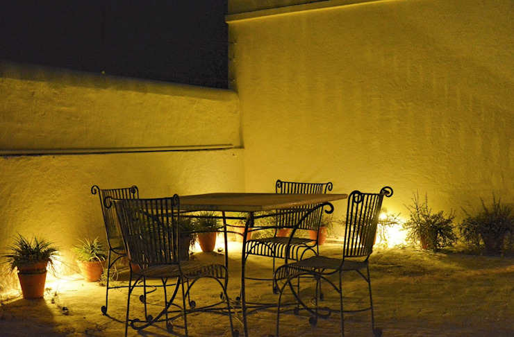 Unchagaon Modern balcony, veranda & terrace by Studio Ezube Modern
