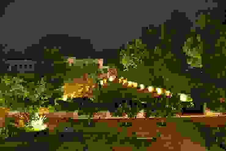 Unchagaon Modern garden by Studio Ezube Modern