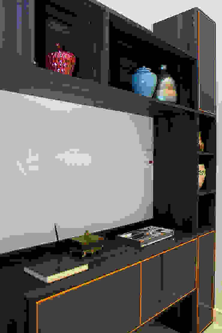 Apartamento em Botafogo por Ana Adriano Design de Interiores Moderno Madeira Efeito de madeira