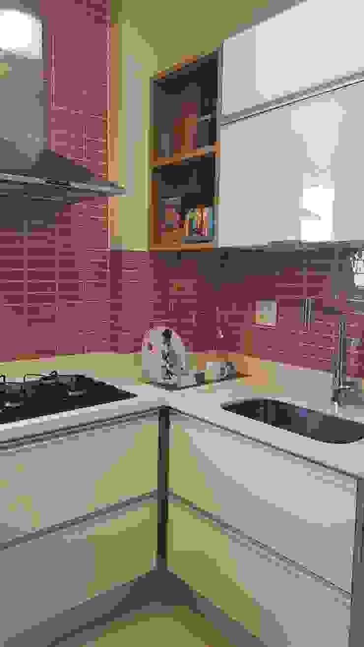 Apartamento em Botafogo Cozinhas modernas por Ana Adriano Design de Interiores Moderno Quartzo