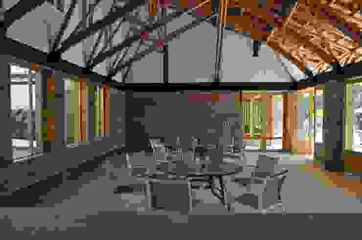 Casa de retiro Laguancha Comedores modernos de José Vigil Arquitectos Moderno