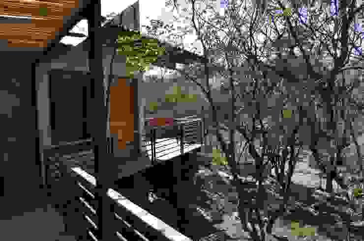 Casa de retiro Laguancha Balcones y terrazas modernos de José Vigil Arquitectos Moderno