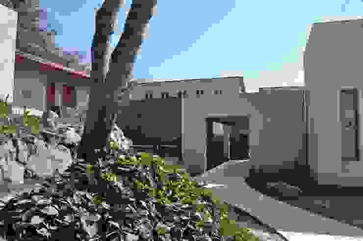 Casa de retiro Laguancha Casas modernas de José Vigil Arquitectos Moderno